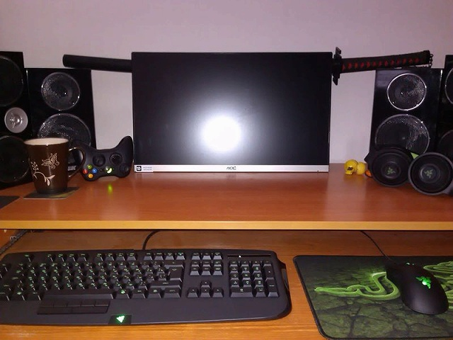 Desktop_Razer8_65.jpg
