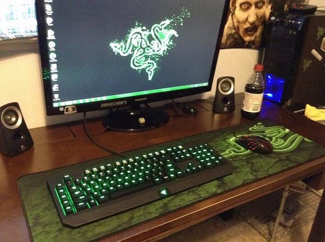 Desktop_Razer8_74.jpg