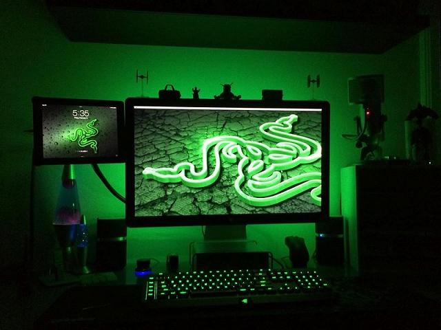 Desktop_Razer8_76.jpg