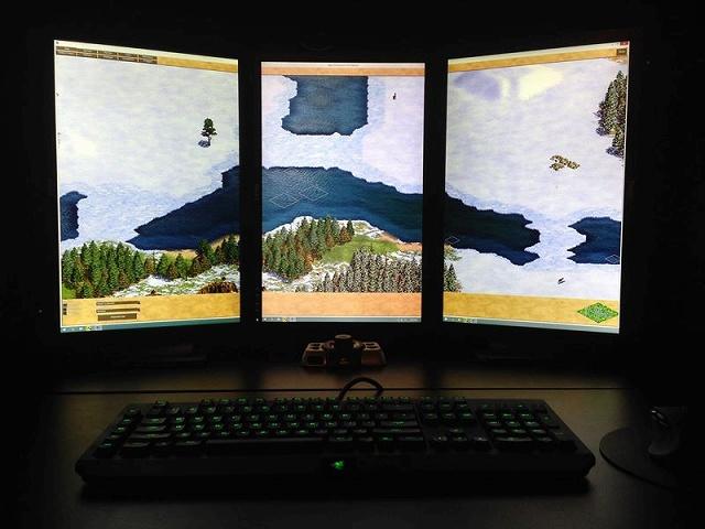 Desktop_Razer8_85.jpg