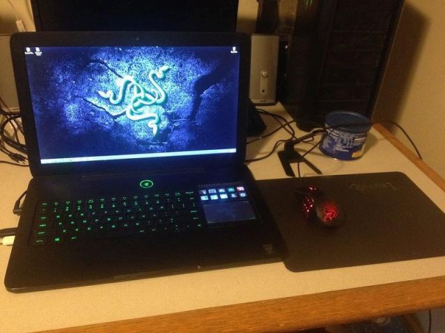 Desktop_Razer8_88.jpg