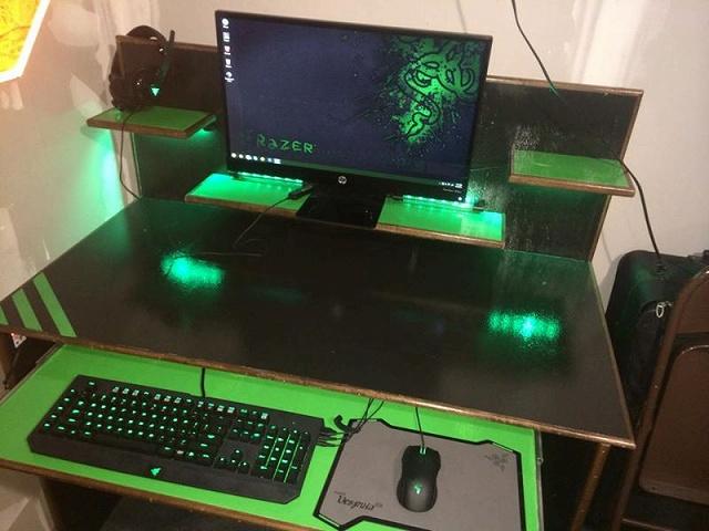Desktop_Razer8_89.jpg