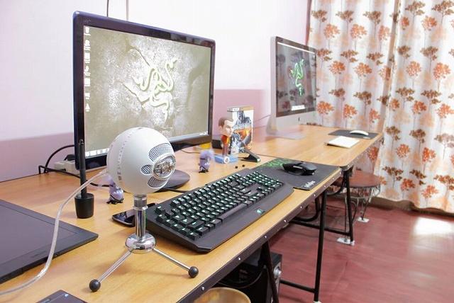 Desktop_Razer8_92.jpg
