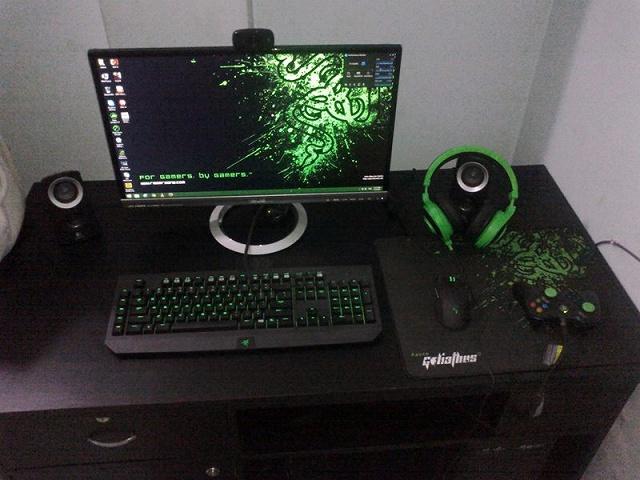 Desktop_Razer8_99.jpg