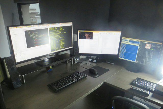 Desktop_UltlaWideMonitor_39.jpg