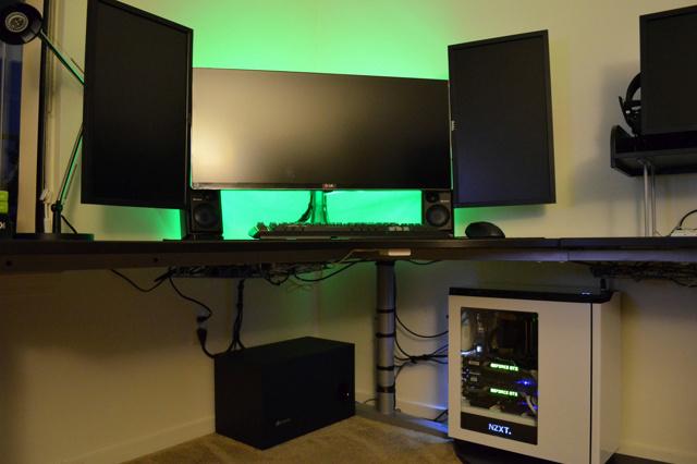 Desktop_UltlaWideMonitor_64.jpg